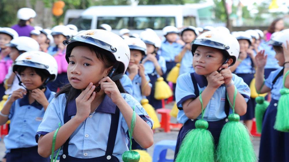 Nâng cao hiệu quả đội mũ bảo hiểm ở trẻ em năm 2018